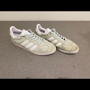 Women's 9 Adidas Mint Green Gazelle